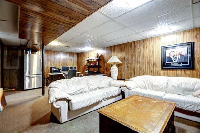 Detached at 60 Rawling Cres, Brampton, Ontario. Image 11