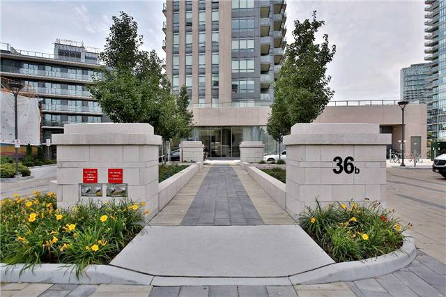 Condo Apartment at 36 Park Lawn Rd, Unit 1403, Toronto, Ontario. Image 12
