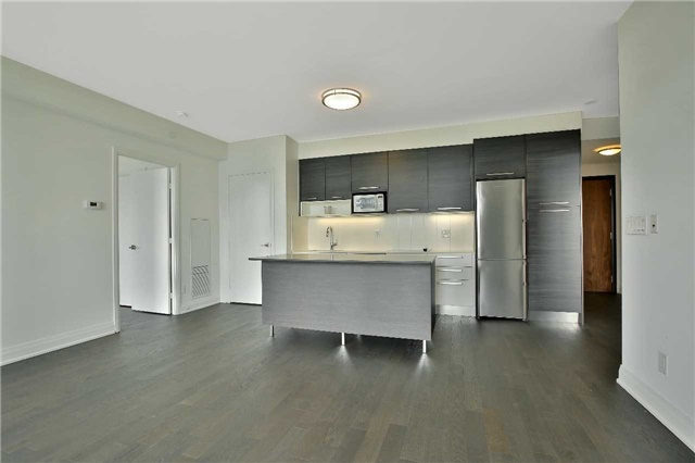 Condo Apartment at 36 Park Lawn Rd, Unit 1403, Toronto, Ontario. Image 3