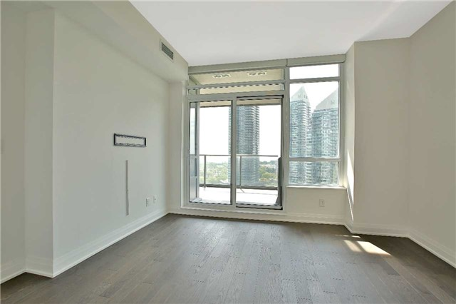 Condo Apartment at 36 Park Lawn Rd, Unit 1403, Toronto, Ontario. Image 4