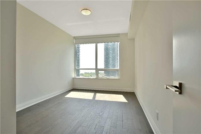 Condo Apartment at 36 Park Lawn Rd, Unit 1403, Toronto, Ontario. Image 6
