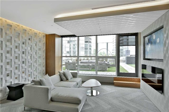 Condo Apartment at 36 Park Lawn Rd, Unit 1403, Toronto, Ontario. Image 10