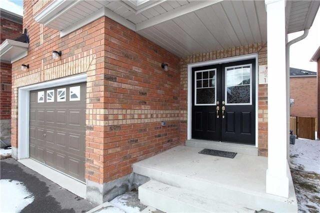 Detached at 32 Geddes Lane, Brampton, Ontario. Image 12