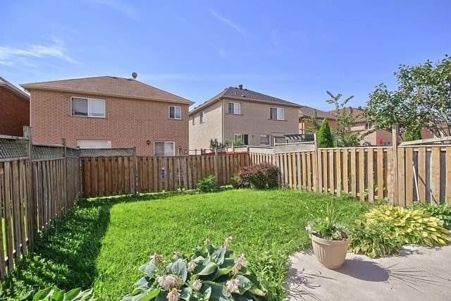 Semi-detached at 19 Briarcroft Rd, Brampton, Ontario. Image 11