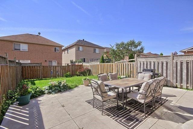 Semi-detached at 19 Briarcroft Rd, Brampton, Ontario. Image 13