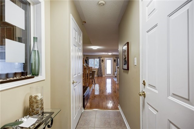 Semi-detached at 40 San Gabriele Pl, Toronto, Ontario. Image 12