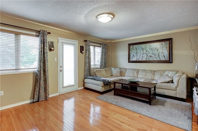 Semi-detached at 40 San Gabriele Pl, Toronto, Ontario. Image 19