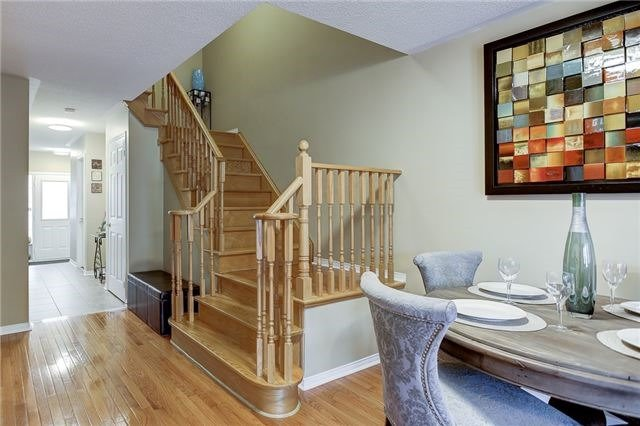 Semi-detached at 40 San Gabriele Pl, Toronto, Ontario. Image 5