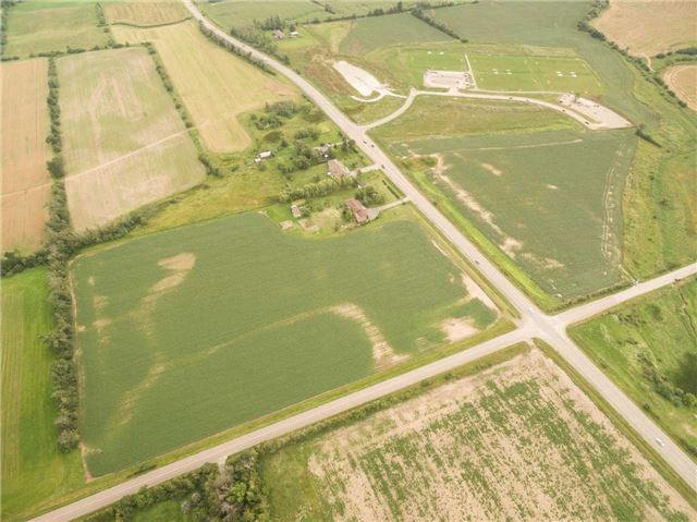 Detached at 6939 King St, Caledon, Ontario. Image 6