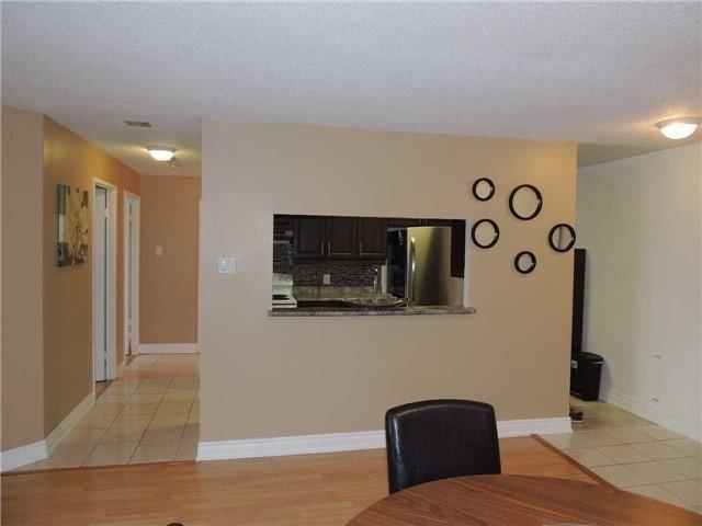 Condo Apartment at 35 Trailwood Dr, Unit 1117, Mississauga, Ontario. Image 12