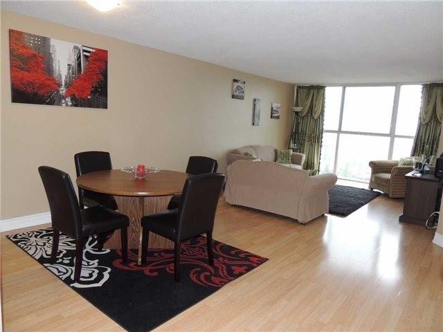 Condo Apartment at 35 Trailwood Dr, Unit 1117, Mississauga, Ontario. Image 14
