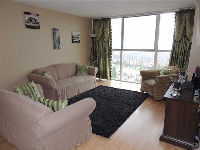 Condo Apartment at 35 Trailwood Dr, Unit 1117, Mississauga, Ontario. Image 17