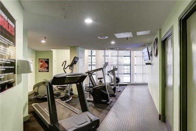 Condo Apartment at 35 Trailwood Dr, Unit 1117, Mississauga, Ontario. Image 9