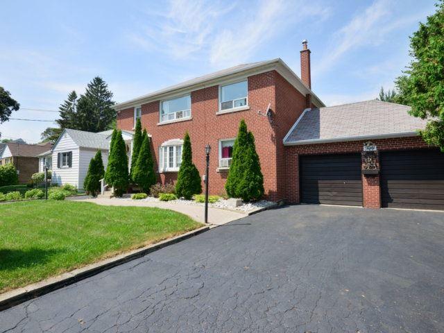 Duplex at 50 Minnewawa Rd, Mississauga, Ontario. Image 12