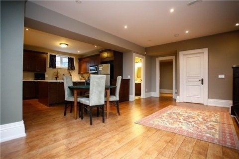 Detached at 1305 Indian Rd, Mississauga, Ontario. Image 7