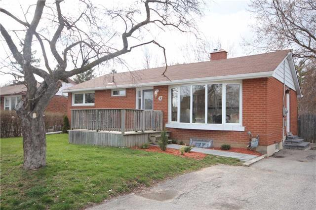 Detached at 47 Heslop Rd, Milton, Ontario. Image 10