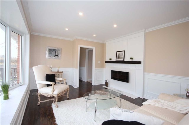 Detached at 47 Heslop Rd, Milton, Ontario. Image 14