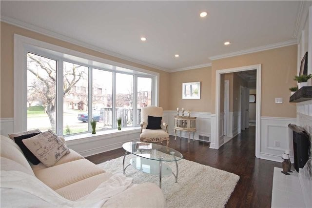 Detached at 47 Heslop Rd, Milton, Ontario. Image 16