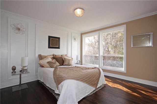Detached at 47 Heslop Rd, Milton, Ontario. Image 4