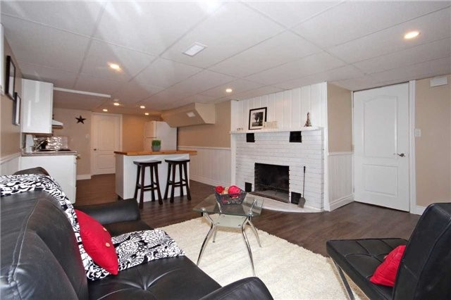 Detached at 47 Heslop Rd, Milton, Ontario. Image 6
