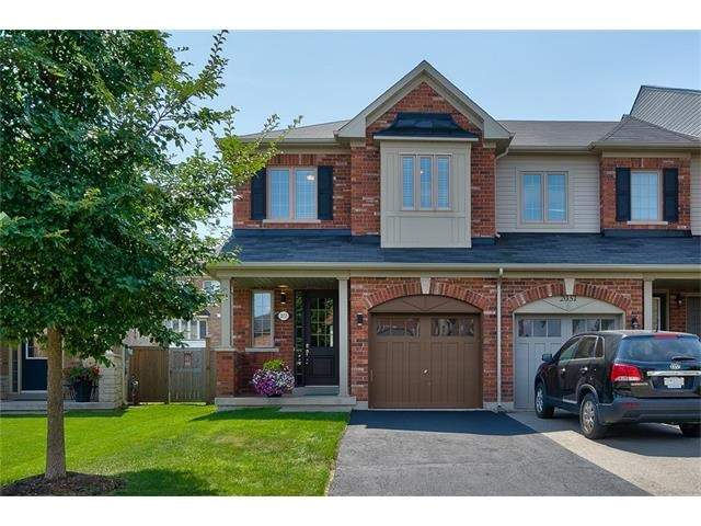 Townhouse at 2053 Fiddlers Way, Oakville, Ontario. Image 1