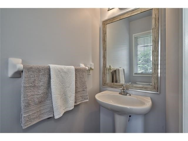 Townhouse at 2053 Fiddlers Way, Oakville, Ontario. Image 3