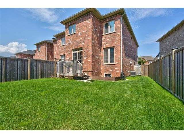 Townhouse at 2053 Fiddlers Way, Oakville, Ontario. Image 10
