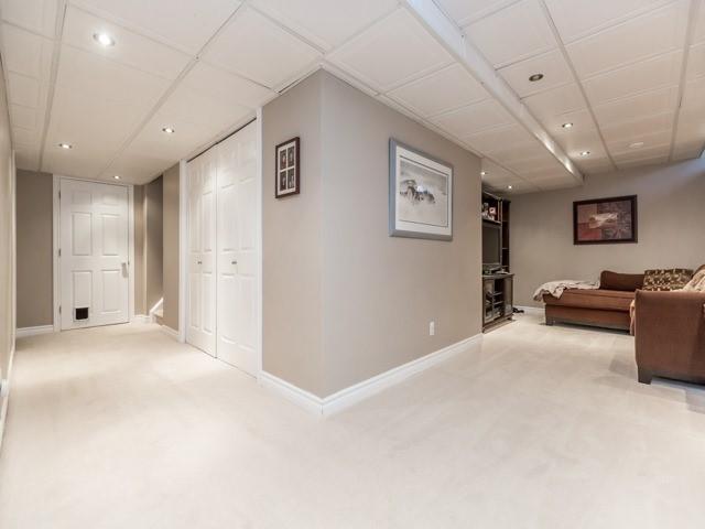 Detached at 5138 Ridgewell Rd, Burlington, Ontario. Image 10