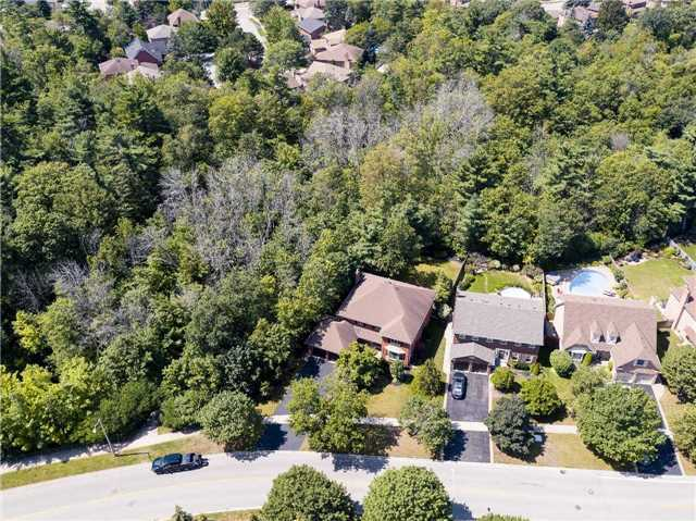 Detached at 1284 Monks Pass, Oakville, Ontario. Image 12
