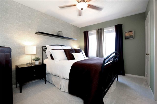 Condo Townhouse at 2361 Parkhaven Blvd, Unit 16, Oakville, Ontario. Image 7