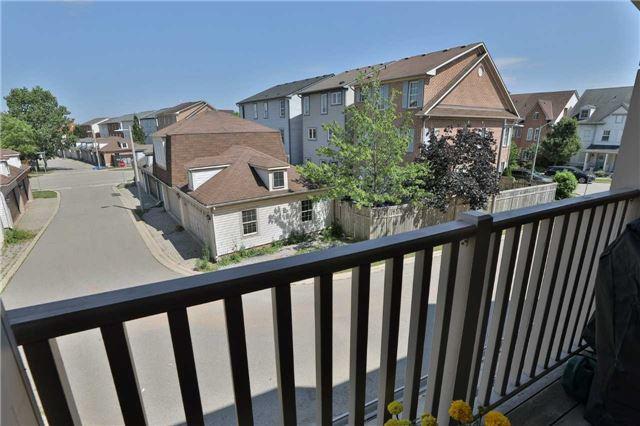 Condo Townhouse at 2361 Parkhaven Blvd, Unit 16, Oakville, Ontario. Image 13