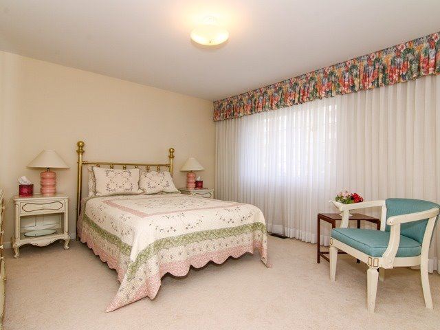 Condo Townhouse at 3021 Glencrest Rd, Unit 20, Burlington, Ontario. Image 6