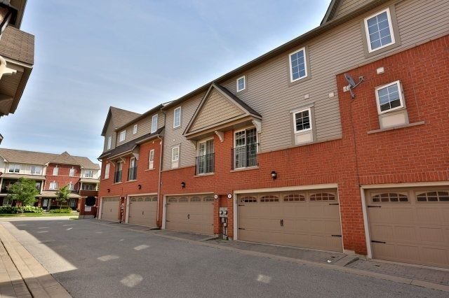 Condo Townhouse at 2360 Parkhaven Blvd, Unit 7, Oakville, Ontario. Image 13