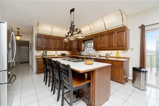 Detached at 11701 Guelph Line, Milton, Ontario. Image 20