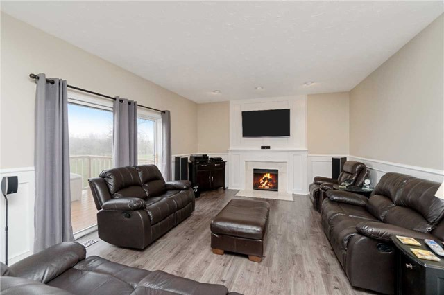 Detached at 11701 Guelph Line, Milton, Ontario. Image 6