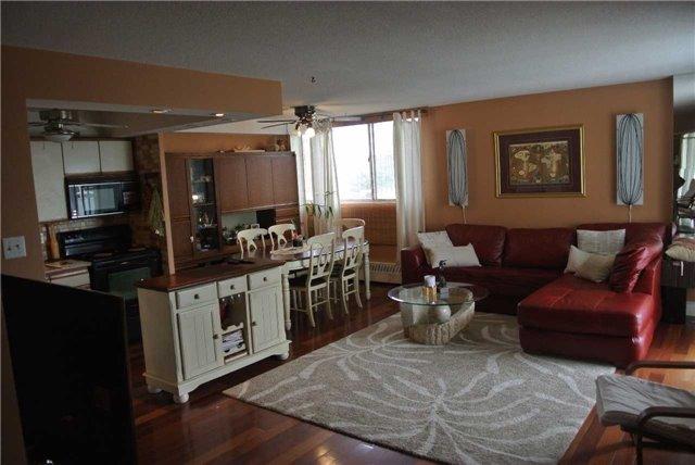 Condo Apartment at 2345 Confederation Pkwy, Unit #1002, Mississauga, Ontario. Image 12