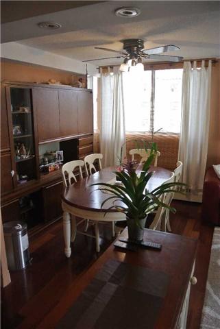 Condo Apartment at 2345 Confederation Pkwy, Unit #1002, Mississauga, Ontario. Image 17