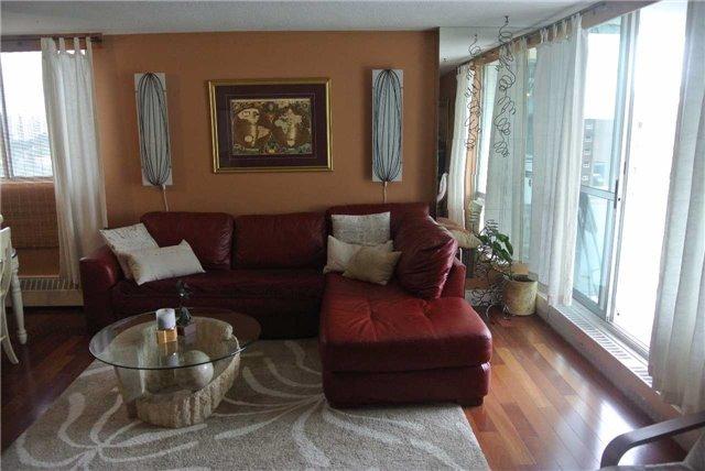 Condo Apartment at 2345 Confederation Pkwy, Unit #1002, Mississauga, Ontario. Image 18