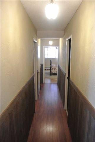 Condo Apartment at 2345 Confederation Pkwy, Unit #1002, Mississauga, Ontario. Image 2