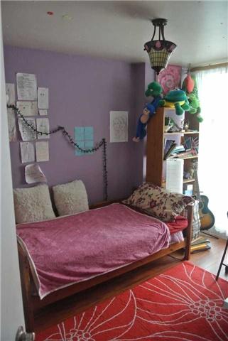 Condo Apartment at 2345 Confederation Pkwy, Unit #1002, Mississauga, Ontario. Image 6