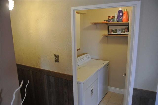 Condo Apartment at 2345 Confederation Pkwy, Unit #1002, Mississauga, Ontario. Image 9
