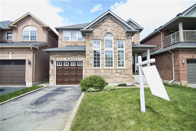Detached at 5563 Farmcote Dr, Mississauga, Ontario. Image 1