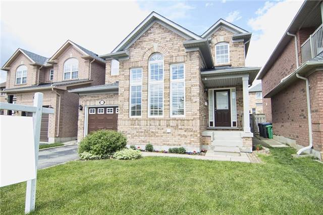 Detached at 5563 Farmcote Dr, Mississauga, Ontario. Image 12