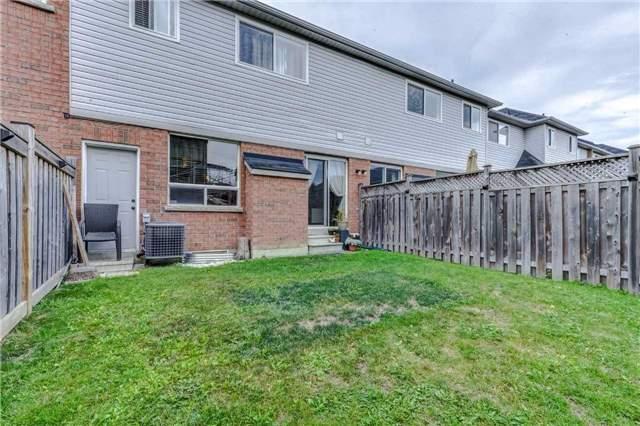 Townhouse at 416 Hobbs Cres, Milton, Ontario. Image 9