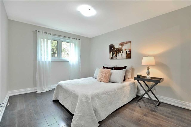 Detached at 1833 Pattinson Cres, Mississauga, Ontario. Image 20