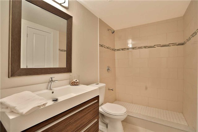 Detached at 1833 Pattinson Cres, Mississauga, Ontario. Image 7
