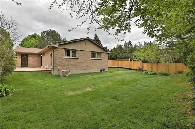 Detached at 1833 Pattinson Cres, Mississauga, Ontario. Image 10