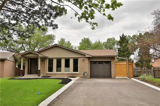 Detached at 1833 Pattinson Cres, Mississauga, Ontario. Image 13