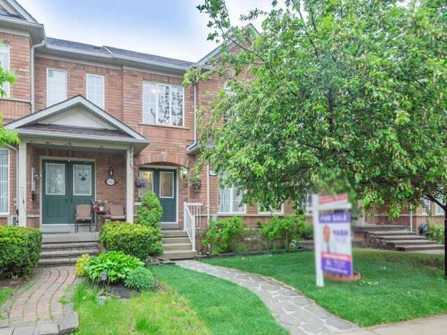 Townhouse at 5846 Tenth Line W, Mississauga, Ontario. Image 1