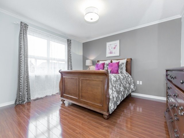 Townhouse at 5846 Tenth Line W, Mississauga, Ontario. Image 18